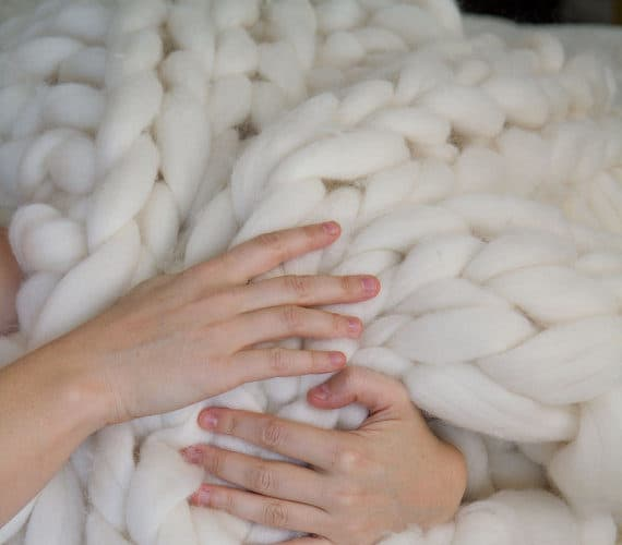 How to Make a Chunky Knitted Blanket with Giant Yarn