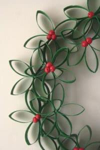 easy diy paper christmas wreath