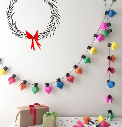 18 Christmas Wall Decoration Ideas That'll Deck Your Halls
