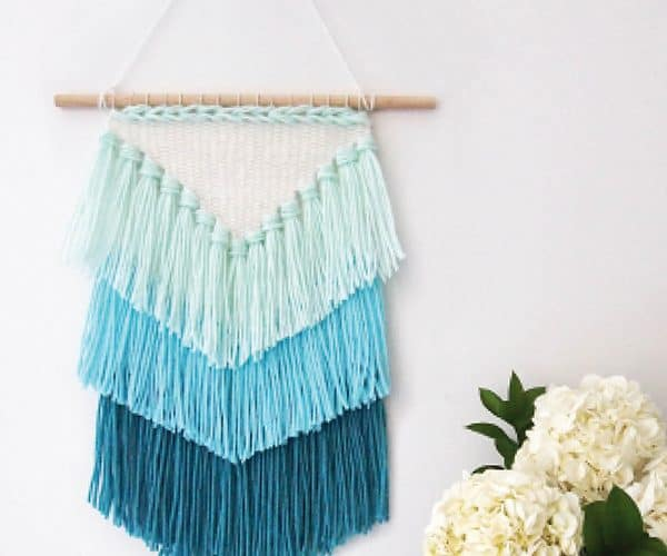 12 DIY Yarn Wall Hanging Ideas That Make the Perfect Boho Wall Decor