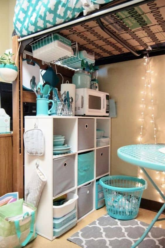 having an organized dorm with this dorm kitchen idea is creative