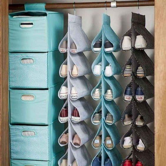dorm organization ideas for hanging closet hangers