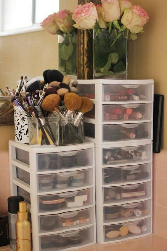 dorm room storage ideas for makeup