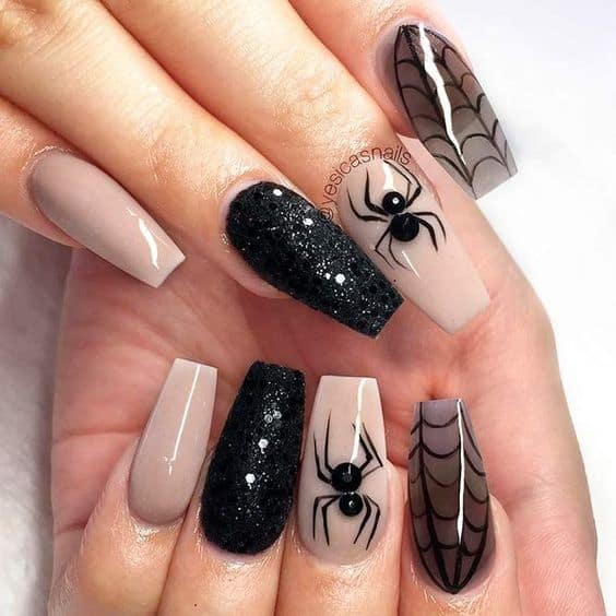 Spooky spider halloween nails
