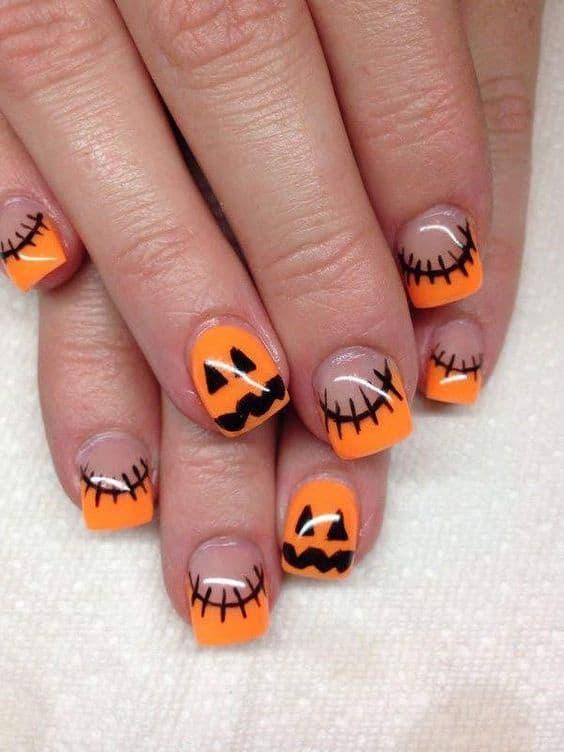 Cute mini pumpkin nails