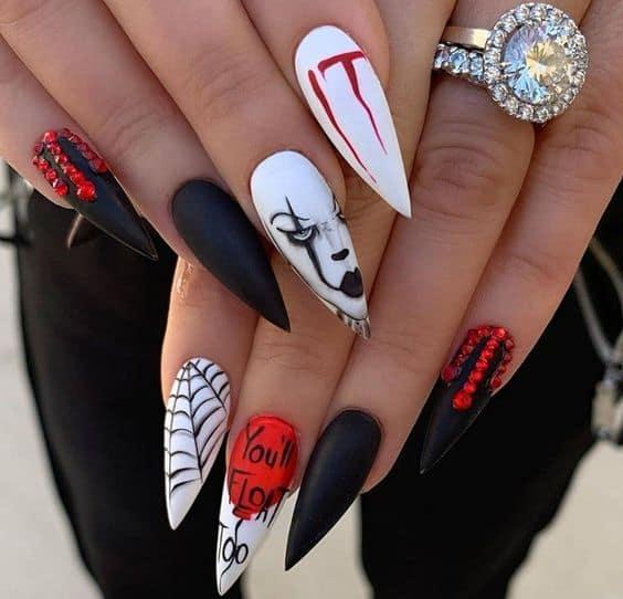 Spooky IT halloween nails