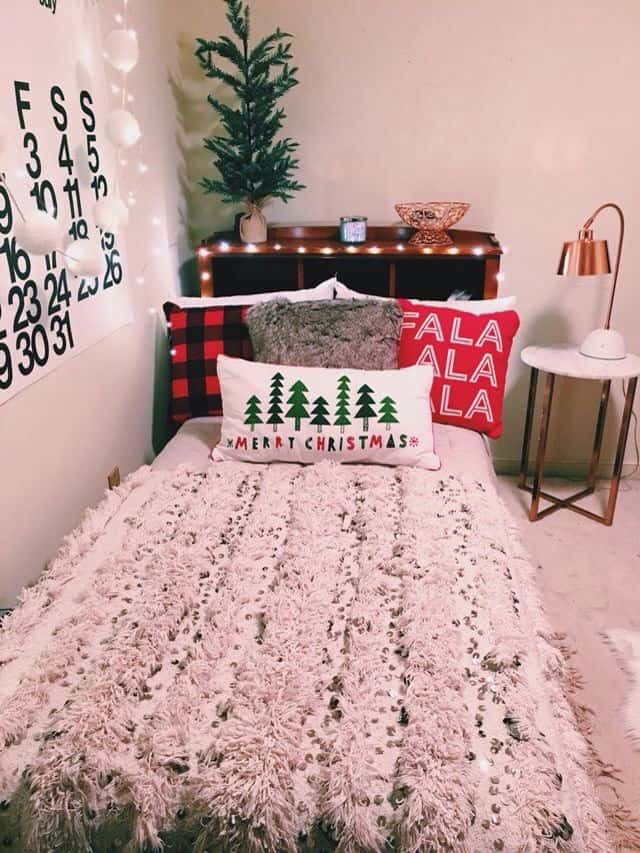 Christmas bedroom decor for small apartment