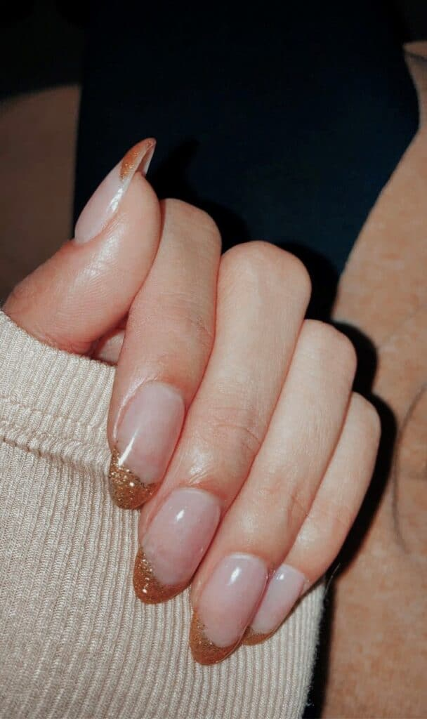 prettiest holiday nails for girls simple gold tip