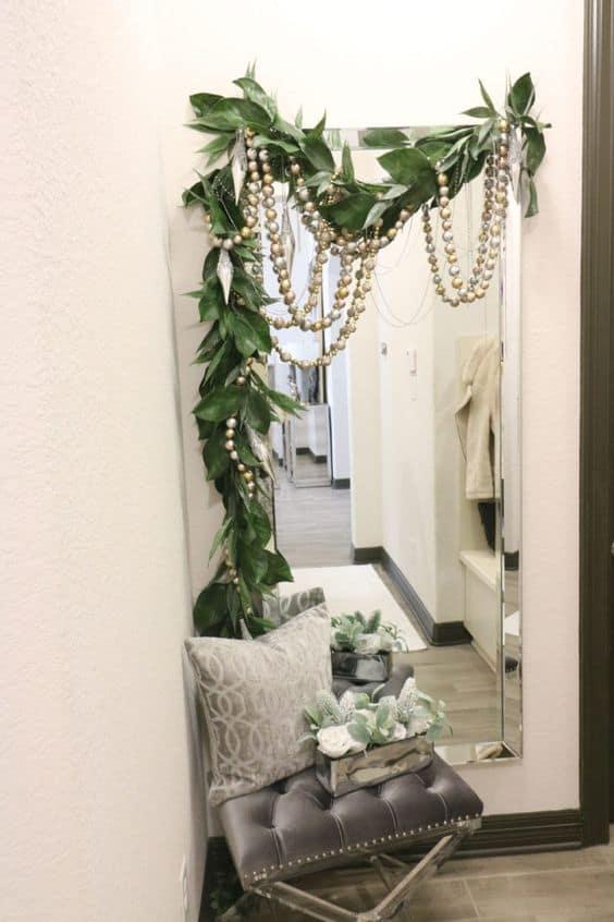 xmas decor small apartment ideas festive mirror