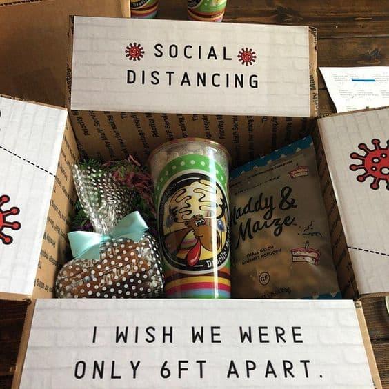 idea de paquete de cuidado de mejor amigo para el distanciamiento social