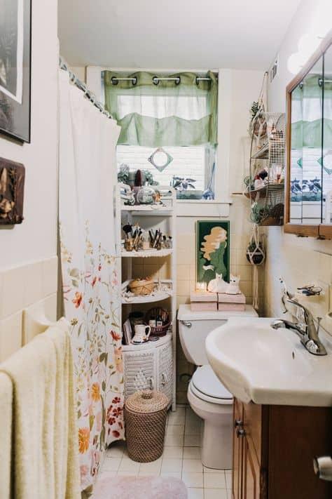 decorating ideas for studio apartment small bathroom