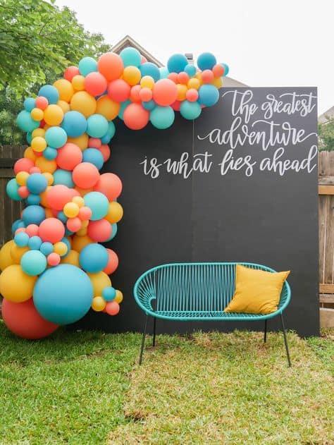 backdrop grad party ideas bright balloons backdrop