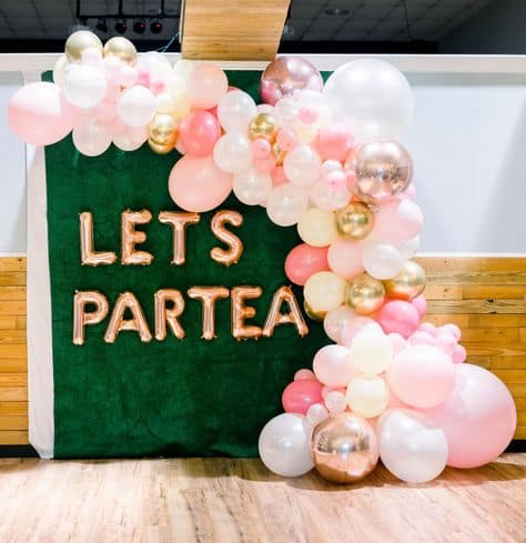 cool backdrop grad party idea lets partea balloon backdrop