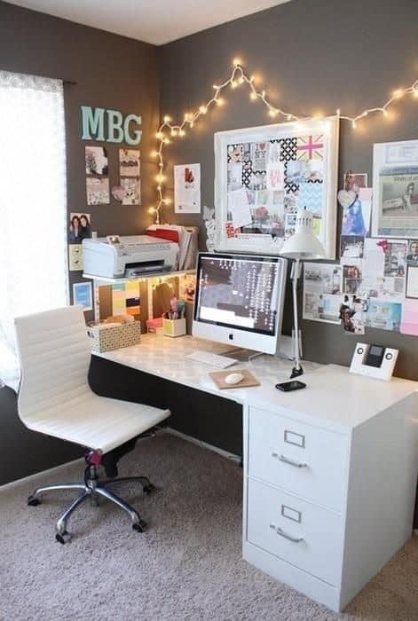 best ways to organize dorm desk